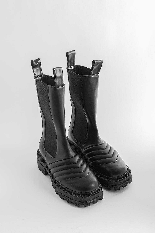 Jeff Yanı Lastikli Dikiş Detaylı Uzun Siyah Kadın Bot