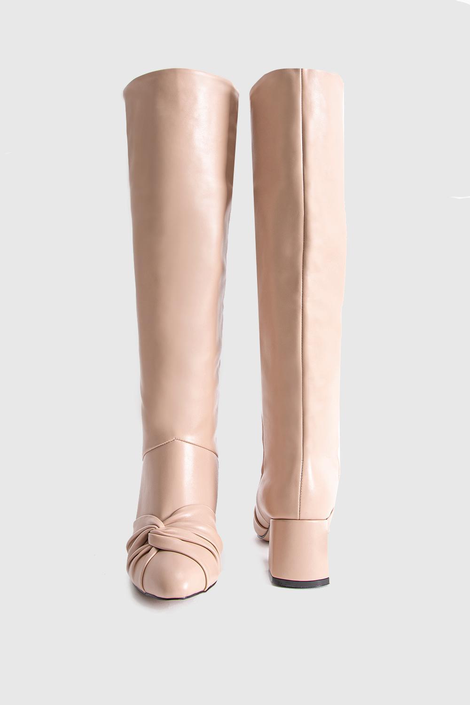 Dita Fiyonk Detaylı Oval Burun Uzun Bej Kadın Çizme