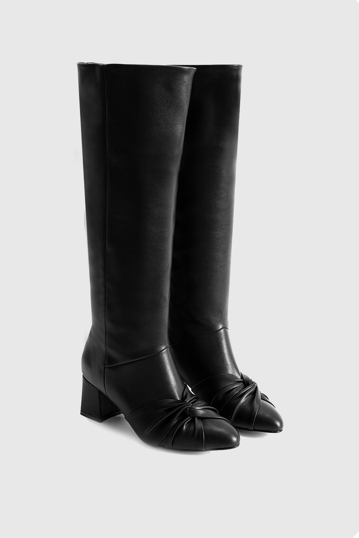 Dita Fiyonk Detaylı Oval Burun Uzun Siyah Kadın Çizme