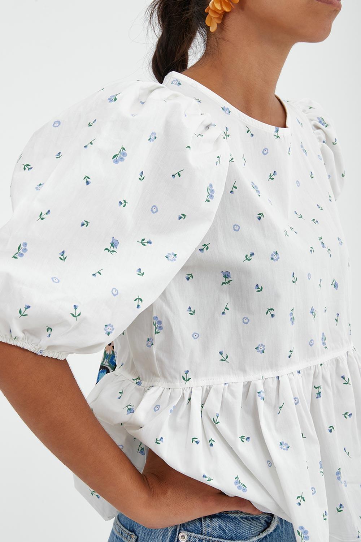 Balon Kollu Volanlı Sırt Detaylı Beyaz Kadın Gömlek