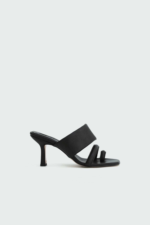 İvy Kalın Bantlı Tek Parmak Detaylı Siyah Kadın Topuklu