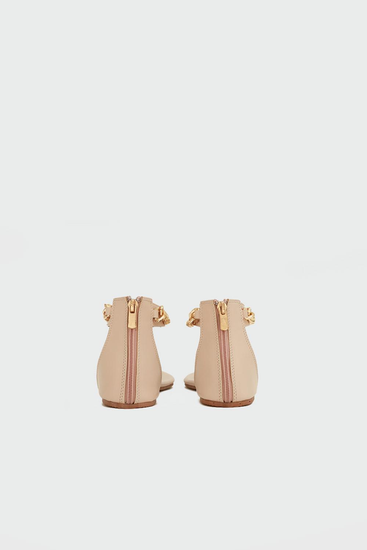 Judith Parmak Arası Gold Zincir Detaylı Nude Kadın Sandalet