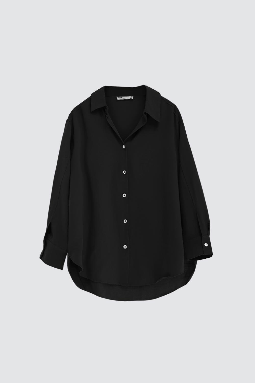 Oversize Düğme Detaylı Asimetrik Kesim Siyah Kadın Gömlek
