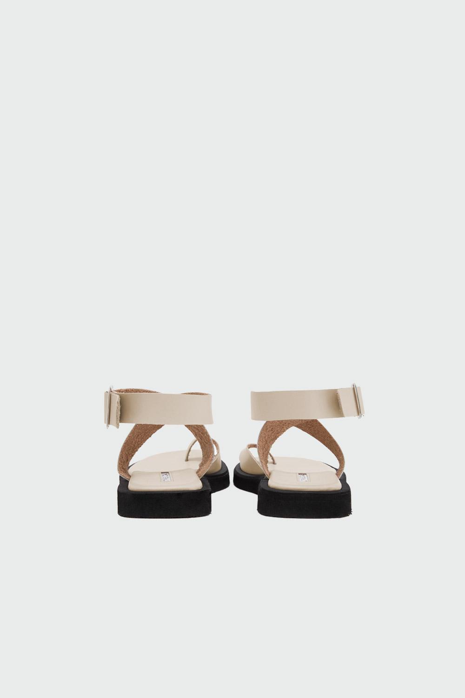 Robin Eva Taban Tek Parmak Çapraz Bantlı Nude Kadın Sandalet