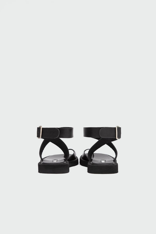 Robin Eva Taban Tek Parmak Çapraz Bantlı Siyah Kadın Sandalet