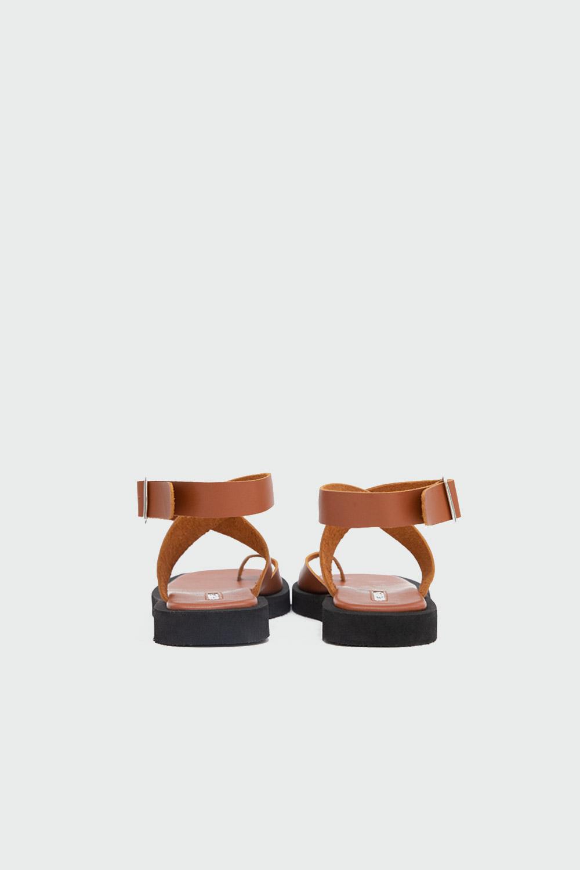 Robin Eva Taban Tek Parmak Çapraz Bantlı Taba Kadın Sandalet