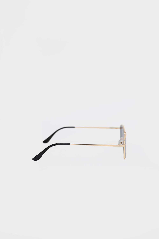 Gold Çerçeve Detaylı Vintage Köşeli Siyah Kadın Gözlük