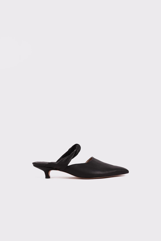 Wild Sivri Burun Burgu Bantlı Topuklu Siyah Kadın Topuklu